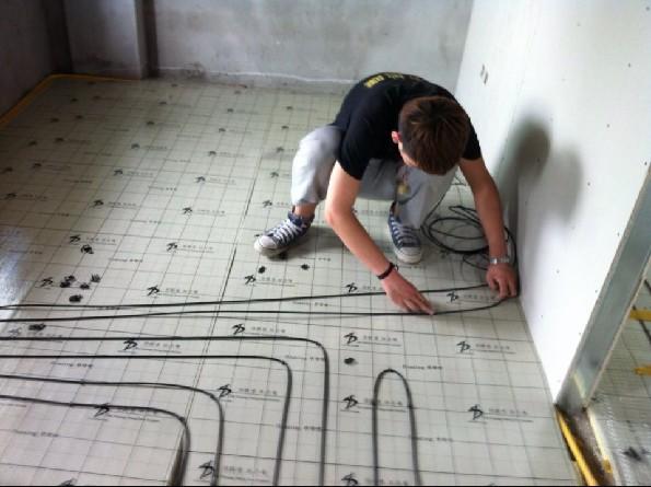 西安蓝田自建别墅碳纤维发热电缆施工